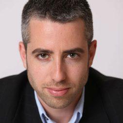 דרור גלוברמן עיתונאי ומסוקאי בהרצאה סוחפת