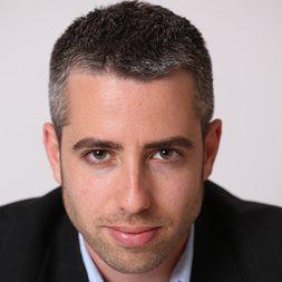 דרור גלוברמן עיתונאי ומוסיקאי מרצה ומנחה מבוקש בחברות על התנהגות ותרבות בני האדם בעידן הדיגיטל